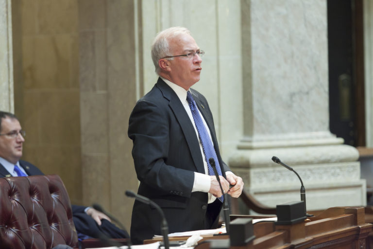 Fitzgerald urges Shilling to gauge support among Dem caucus for Kimberly-Clark incentive package